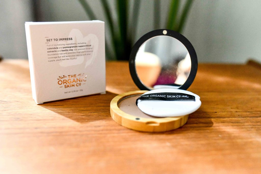 Organic Makeup That Actually Works and Lasts All Day Long _ organic setting powder