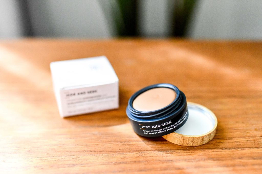 Organic Makeup That Actually Works and Lasts All Day Long _ organic concealer