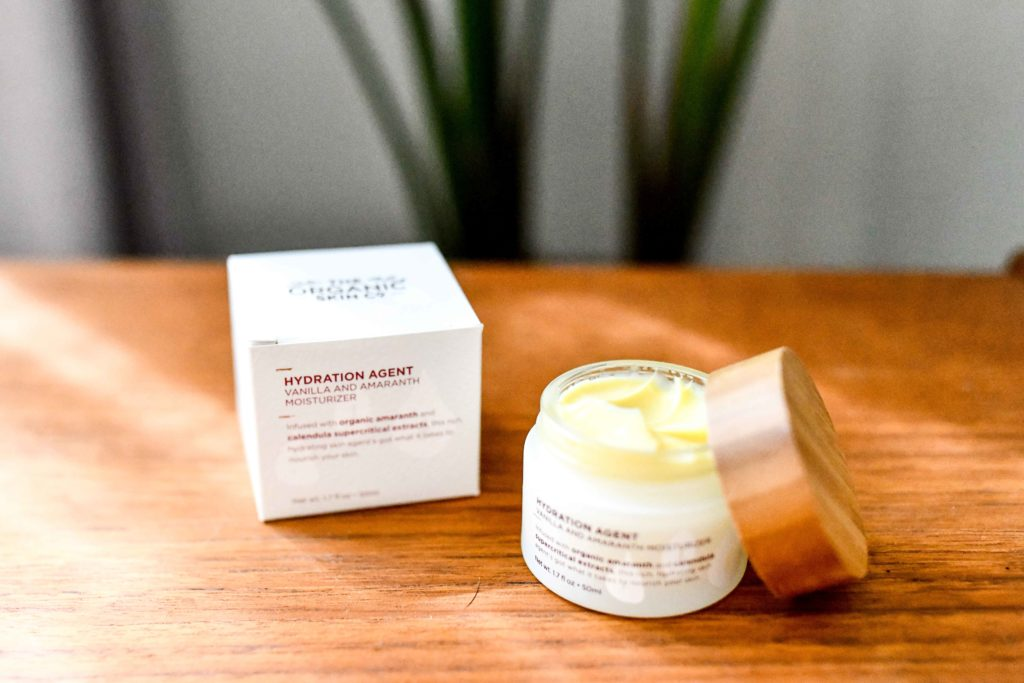 Organic Makeup That Actually Works and Lasts All Day Long _ organic moisturizer
